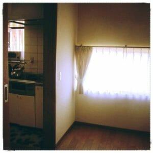 母の部屋とキッチンの間のスペース