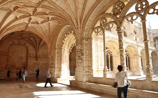 ジェロニモス修道院の中
