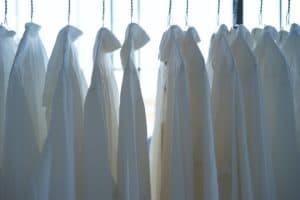 アラフォーのオフィス服。白シャツは無敵。